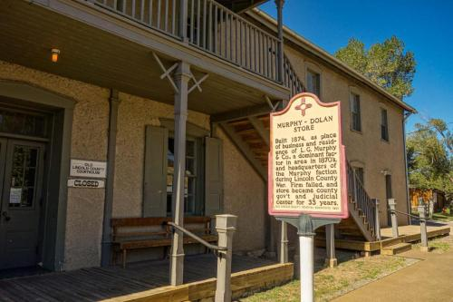 Old Lincoln Courthouse